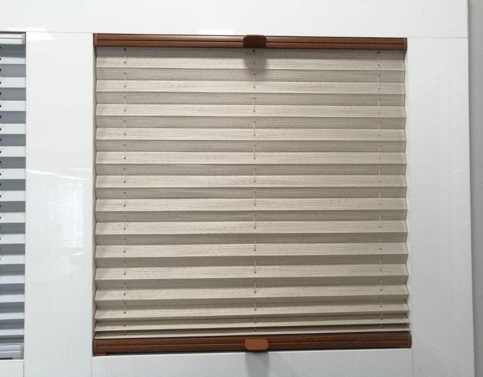 Jak zrobić pomiar plis na okna pionowe